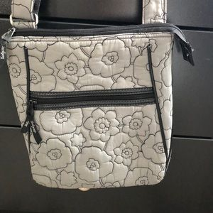 Thirty one cross body grey and black